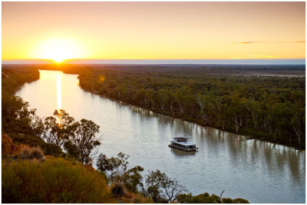 Houseboating-on-the-Murray-River